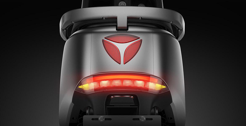 Vue feu arrière scooter Yadea G5 Pro